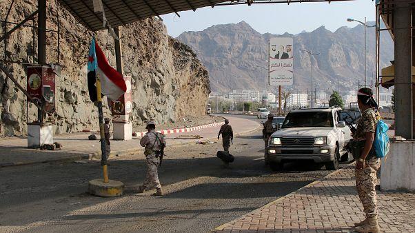 الحكومة اليمنية تقول إنها ترغب في الحوار مع أبوظبي لحل أزمة الجنوب