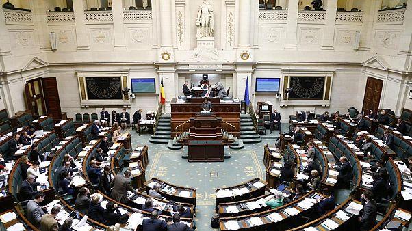 2010'da 541 gün hükümetsiz kalan Belçika'da tarih tekerrür mü ediyor?