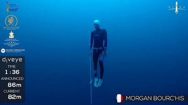 Morgan Bourc'his lucha por volver a ser campeón mundial de apnea