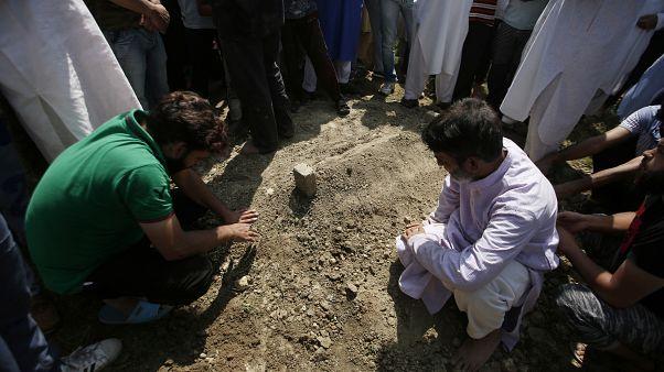 Keşmir'de bir protestocunun öldüğü ilk kez resmi olarak kabul edildi