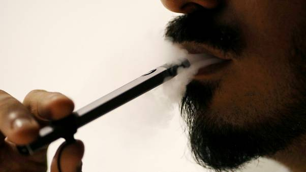 دراسةٌ طبيةٌ أمريكية تحذّرُ من استخدام السجائر الالكترونية