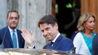 Itália apresenta novo executivo de coligação