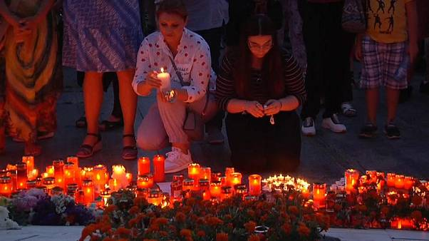 Romania vigil for murdered teenagers Alexandra Macesanu and Luiza Melencu