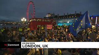A kormány és a brexit ellen tüntettek Londonban