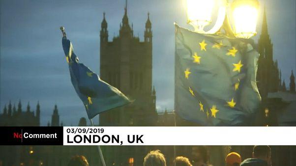 تظاهرات شبانه مخالفان برکسیت در لندن همزمان با نشست پارلمان بریتانیا