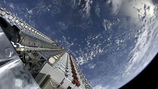 Uzayda 'trafik kazası' son anda önlendi: Avrupa uydusu manevra yaparak Musk'ın uydusuna çarpmadı