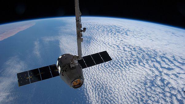 وكالة الفضاء الأوروبية تجنِّب أحد أقمارها الصناعية الأصطدام بآخر أميركي