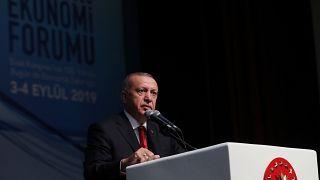Cumhurbaşkanı Recep Tayyip Erdoğan, Sivas'ta Orta Anadolu Ekonomi Forumu'na katılarak burada bir konuşma yaptı