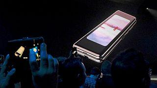 گوشی تاشوی سامسونگ با قیمت ۲ هزار دلار به بازار میآید