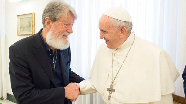 Archives : rencontre du pape avec le père Pedro Opeka, Vatican, mai 2018