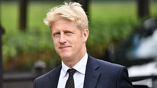 برادر کوچک نخست وزیر بریتانیا از وزارت و نمایندگی مجلس کنارهگیری کرد