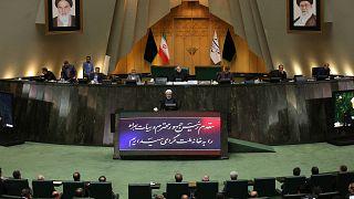 الاتحاد الأوروبي يحث إيران على التراجع عن خفض التزاماتها النووية