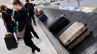 ABD'li kadın Filipinler'de havaalanında el bagajında 6 günlük bebekle yakalandı