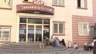 Diyarbakır'daki ailelerin eylemlerinde taraflar ne diyor?