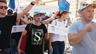 Tüntettek a horvát pedagógusok