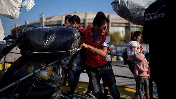 گفتگو با پناهنده ایرانی که توییتش سرنوشت سیاستمدار یونانی را تغییر داد