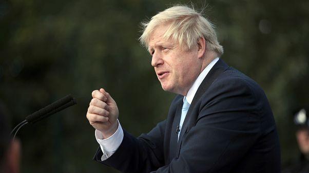 Boris Johnson: Brexit'i ertelemektense bir çukurda ölmeyi tercih ederim