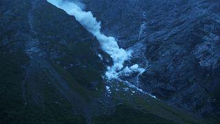 Norvegia, un pezzo di montagna si stacca dopo anni di allarmi ed evacuazioni