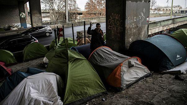 یک پناهجوی افغان در پاریس