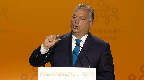 """Il Budapest Demographic Summit e il """"welfare per sole mamme"""""""