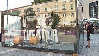 Promoción teatral a golpe de bate en Viena