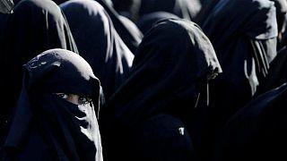إسبانيا تصدر أوامرَ اعتقال بحق أربع نساء محتجزات في المخيمات السورية