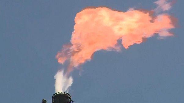 NGO: Ölmultis untergraben Klimaziele
