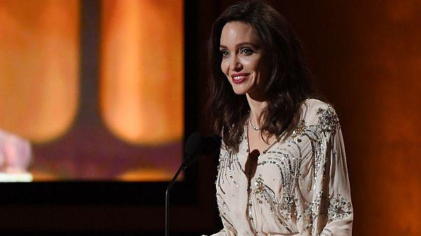 حمایت آنجلینا جولی از فیلم صحرا کریمی فیلمساز افغان حاضر در جشنواره ونیز
