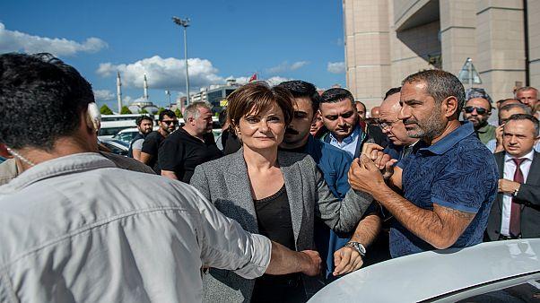جنان قفطانجي أوغلو مسؤولة حزب الشعب الجمهوري المعارض في إسطنبول