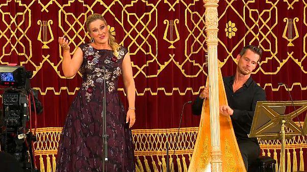 Une voix et des cordes : un duo franco-allemand sur la scène de Bucarest