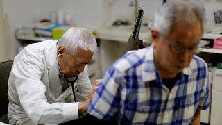 Bilim insanları tesadüfen yaşlanmayı tersine çevirdi: Karışım verilen 9 kişi 2.5 yıl gençleşti