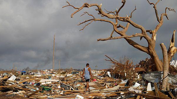 Los bahame´ños huyen tras la devastación del huracán Dorian