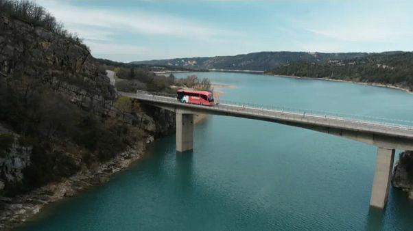 Treni vs Bus: le lunghe tratte transnazionali (e non solo) sempre più verso il trasporto su ruote
