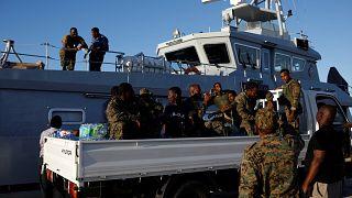 Soldaten im Marsh Harbour Government Port während einer Evakuierungsoperation, nachdem der Hurrikan Dorian Bahamas getroffen hat. 06. September 2019