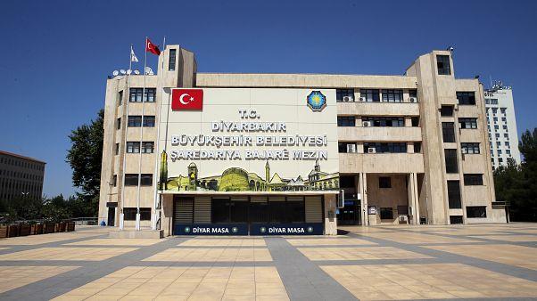Diyarbakır Valiliğinden yeni kayyum iddialarına cevap