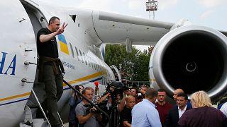 Selenskyi nimmt Gefangene nach Austausch in Empfang