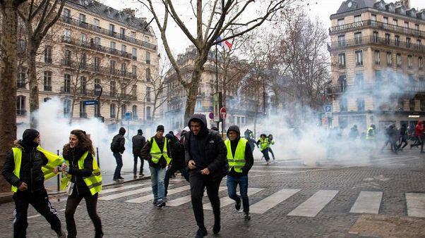 """""""السترات الصفراء"""" يتظاهرون للسبت الثالث والأربعين"""