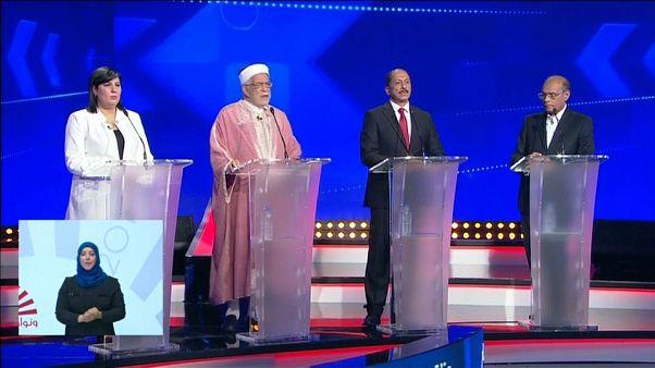 """مناظرة تلفزيونية أولى """"هادئة"""" بين مرشحي الانتخابات الرئاسية في تونس"""
