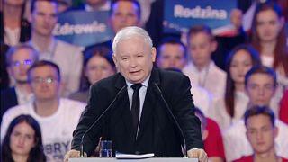 Jóléti intézkedésekkel kampányol Kaczynski