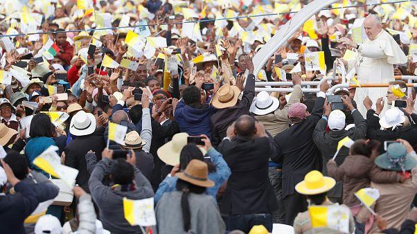 Le pape accueilli par les Malgaches près de Tananarive