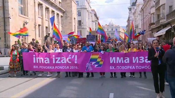 Unas 2.000 personas y unos 1.250 policías en la Marcha del Orgullo en Sarajevo