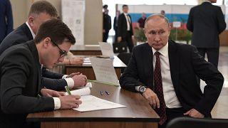 Rusya Devlet Başkanı Vladimir Putin, Moskova'da oyunu kullandı