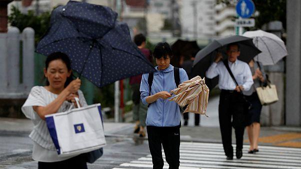 Il tifone Faxai sconvolge Tokyo