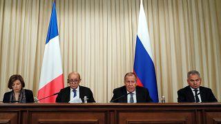 Париж: «санкции снимать пока рано»