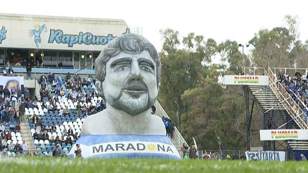 Maradona regressa ao futebol argentino
