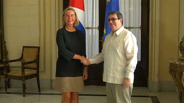 Federica Mogherini junto al canciller cubano, Bruno Rodríguez
