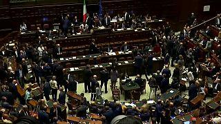 Fiducia: sì della Camera al Conte bis; destra in piazza contro il governo