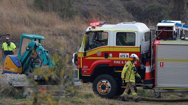 رياح قوية تشعل حرائق الغابات في ولايتين أستراليتين