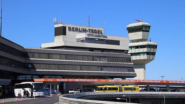 Turbulenzen in Eurowings-Maschine: 8 Verletzte am Flughafen Tegel