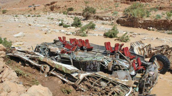 الحافلة التي انقلبت في جنوب وسط المغرب وأسفرت عن مقتل وإصابة العشرات. 9 أيلو 2019
